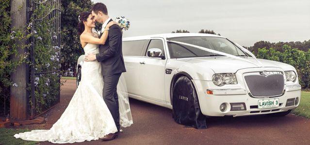 White Chrysler 300C Limousine 12 Seater 1.jpg